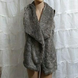 New MAURICES Faux Fur Open Sweater Vest T4